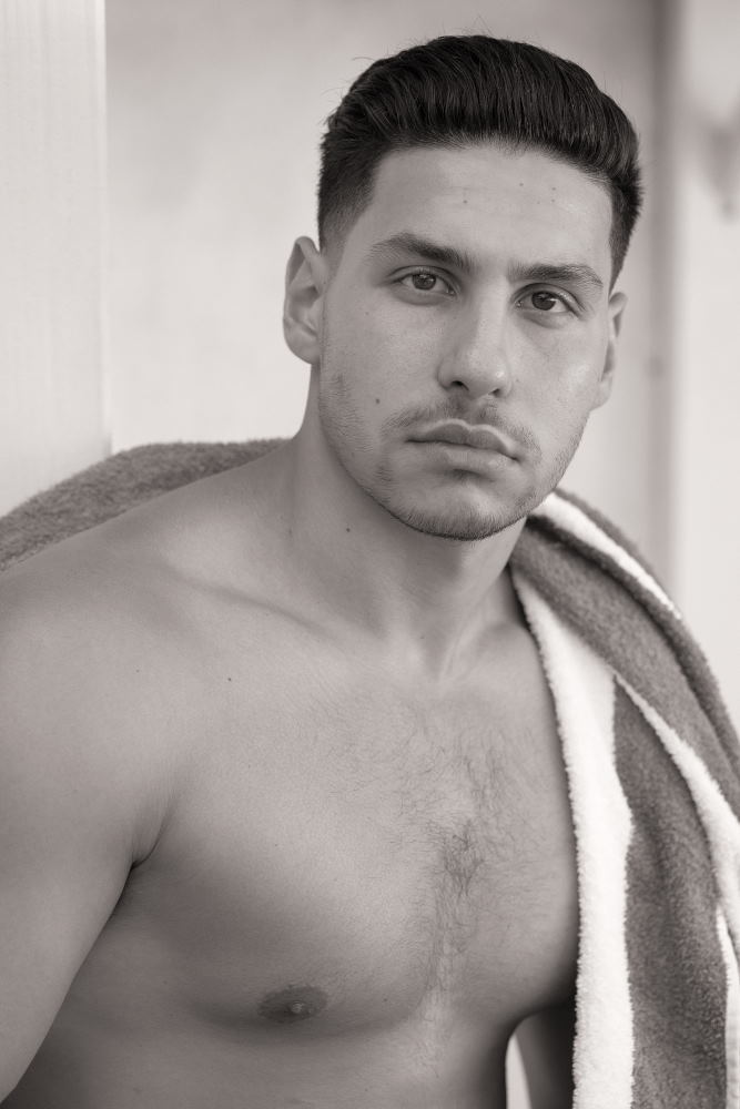Mens fitness and sportwear. Modelling Portfolio headshots for Fashion, Fitness, Beauty for womwn and men.